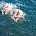 Oops Pussy Women Butts Splashing Water