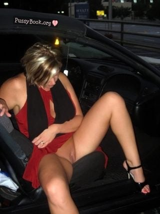 pussy slip woman exits car nude girls pictures