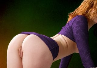 redhead-naked-butt-bent-over