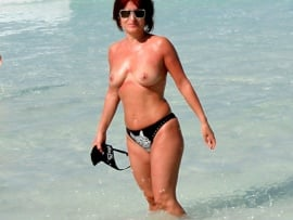 rosy-buena-topless-on-beach