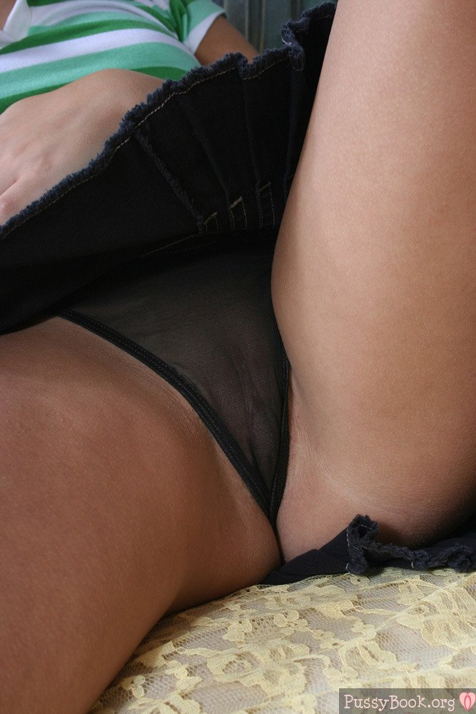 see-through-pussy-black-panties