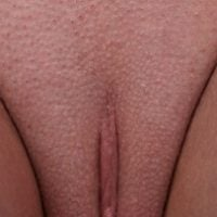 shaved-pussy-reflection