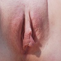 small-outer-labia-and-long-inner-labia