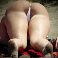 superb-voyeur-ass-candid-on-beach