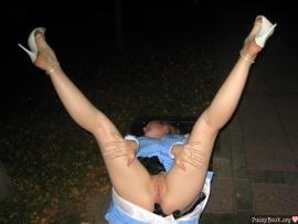 tall-legs-up-outdoor-girl