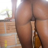 tight-hips-black-girl-derriere