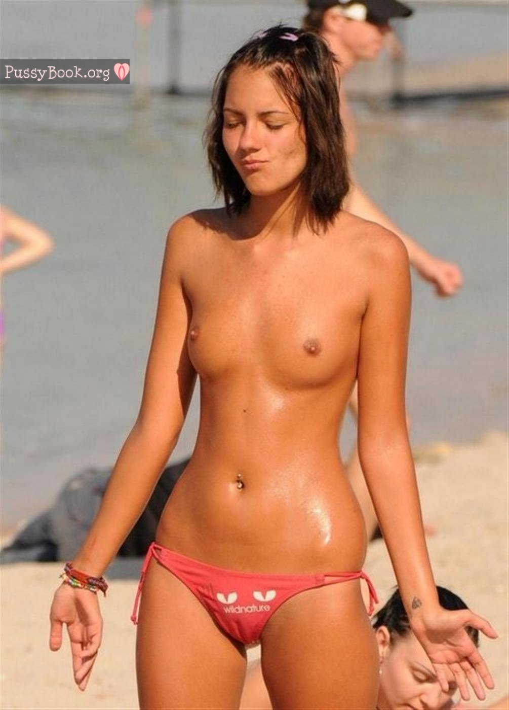 Teen cameltoes