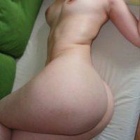 white-lady-nude-body-buttocks
